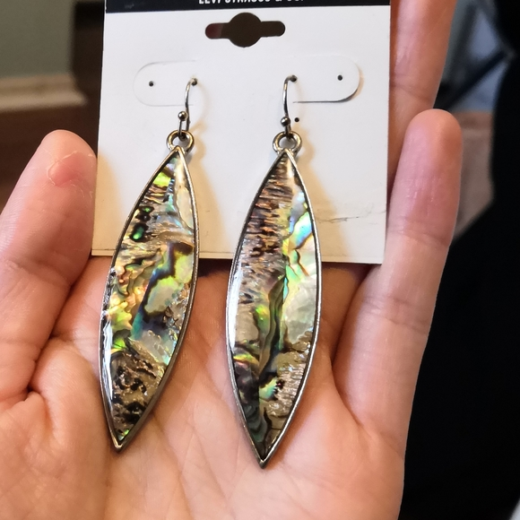 Jewelry - Unique shell and resin earrings